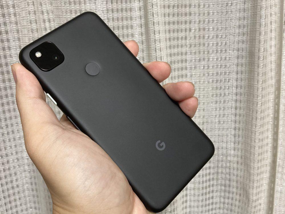 Google Pixel 4aを手に持ってみた
